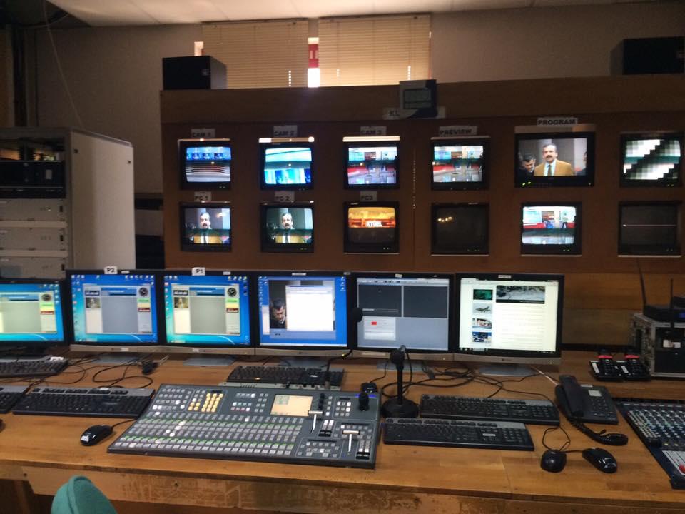 L'interfaccia televisiva: dalla tele-governance all'autogoverno della comunicazione