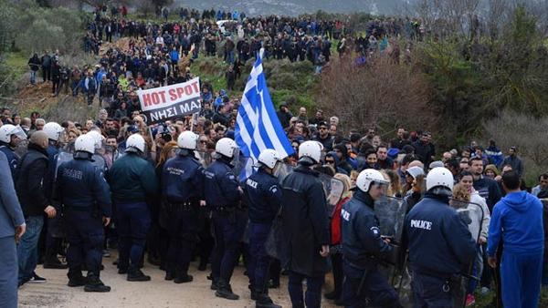 Gli Hotspots di Lesbo e la temporalità accelerata della frontiera dopo l'accordo UE-Turchia
