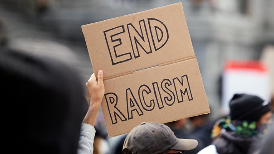 La riforma dei Decreti Sicurezza non scalfisce il razzismo istituzionale